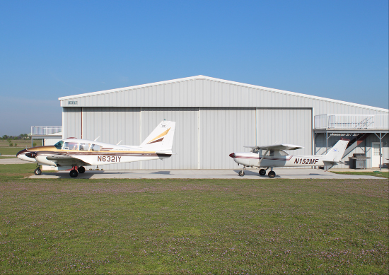 Student airplanes at flying school dallas